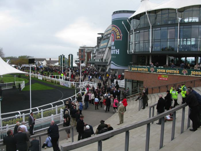 Grand National crowds